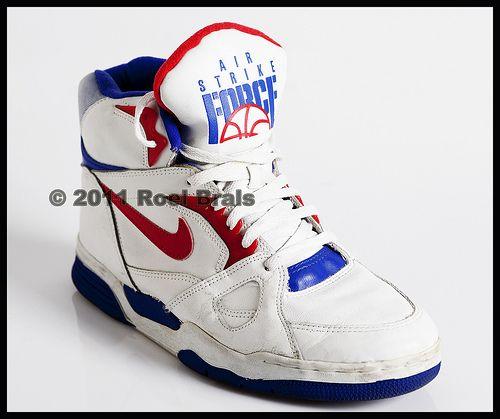 size 40 af907 26efb Nike strike Force High - 1990