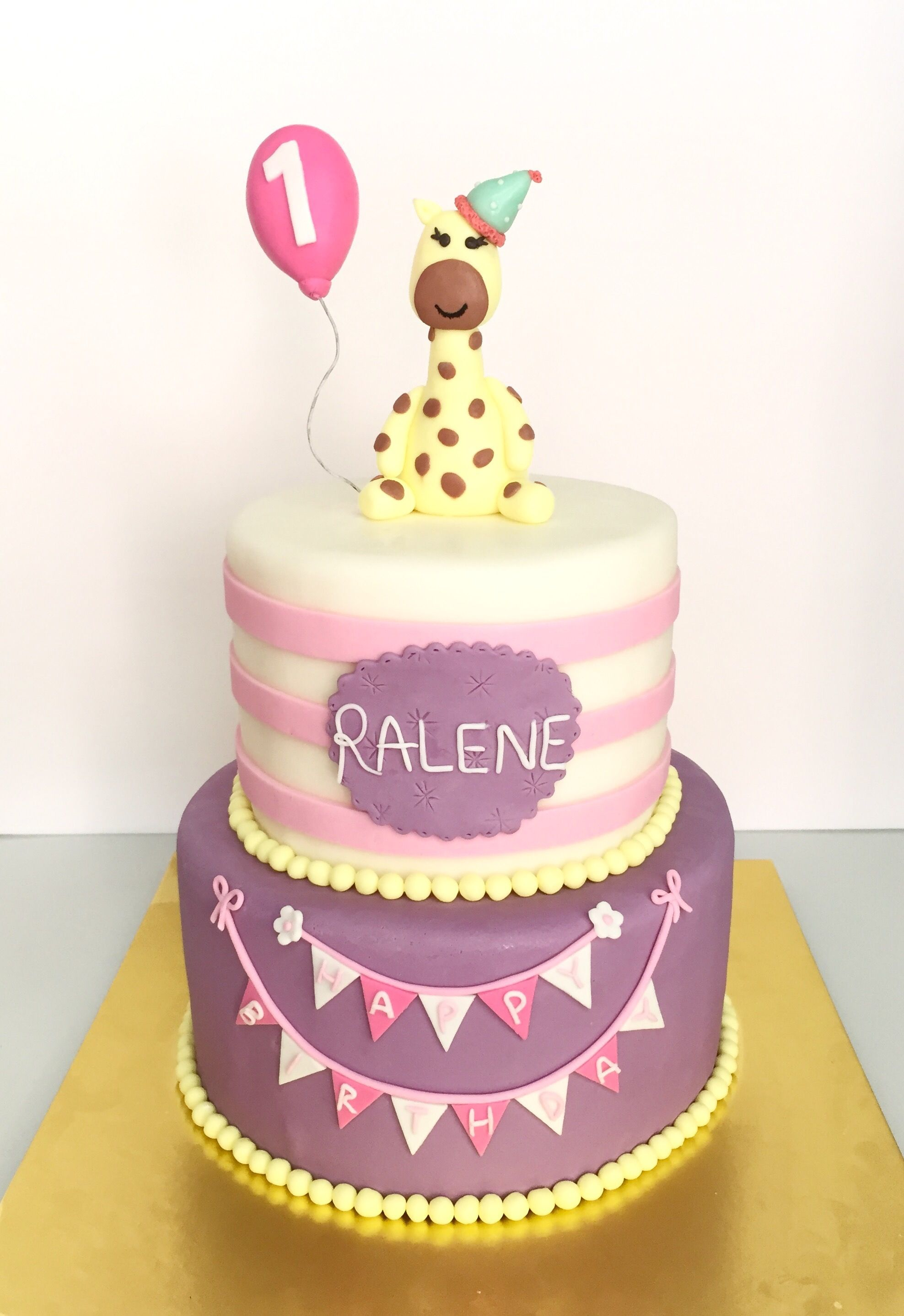 birthday cake giraffe Google Search Queques Pinterest