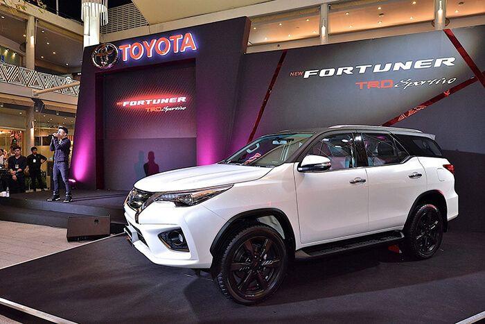 Специалисты спортивного подразделения Toyota Racing Development (TRD) представили целый набор доработок для вседорожника Fortuner, созданного на базе пикапа «Хайлюкс».
