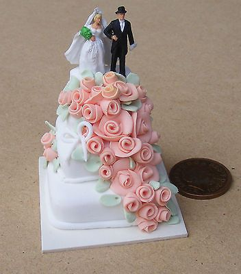 Dolls House Miniature Picture of a Bride /& Groom Wedding Picture in 12th scale