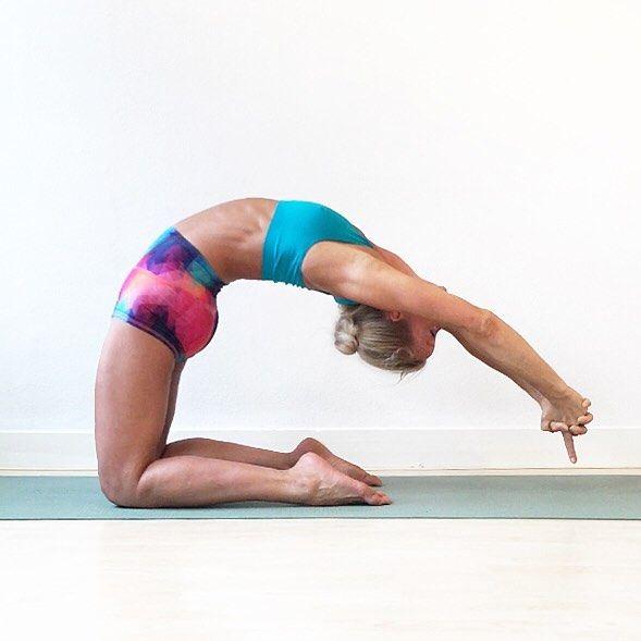 #ustrasana variation #camelpose for Day 24 of #mayibeginyoga2016  @nadiyogawear shorts from @iloveyoganl @kinoyoga @beachyogagirl  @omstarsapparel @liquidoactive  #yoga #yogi #yogini #yogafun #selfpractice #yogachallenge #yogachallenges #yogapractice #yogaeverydamnday #yogainspiration #yogadaily #yogajunkie #yogisofinstagram  #veganyogi #yogaisart #yogaislife #yogaislove #sdy #strikeapose #lxy #mayibeginyoga2016 #CrazySexyYoga  #LeagueOfExtraordinaryYogis #HipRoadTrip #yoga4growth…