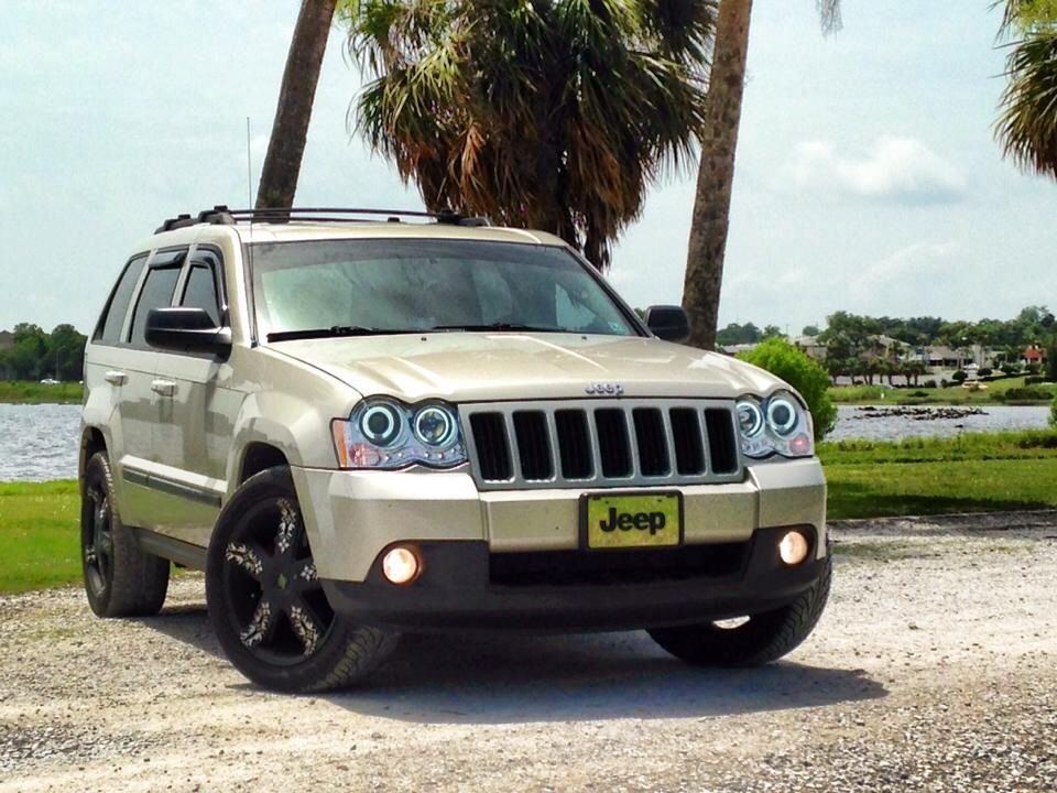 is jeep grand cherokee a safe car