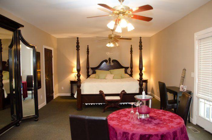 Bridal Suite Sleepy Hollow Inn & Event Center, Asheville, NC