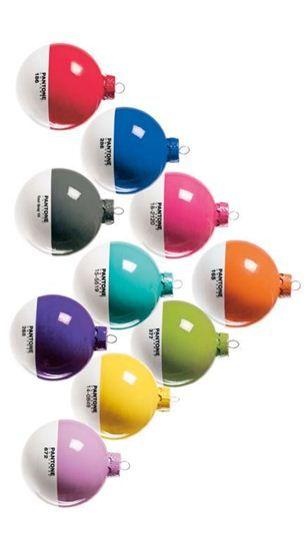 PANTONE Holiday Ornaments!  Así serán mis arreglos navideños.