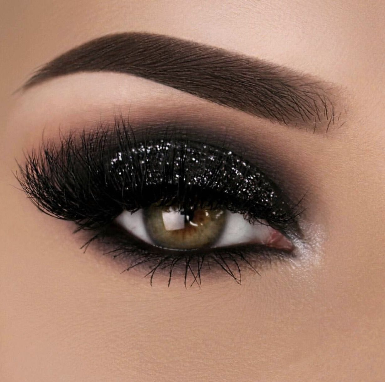 Black sparkle smokey eye Smokey eye makeup
