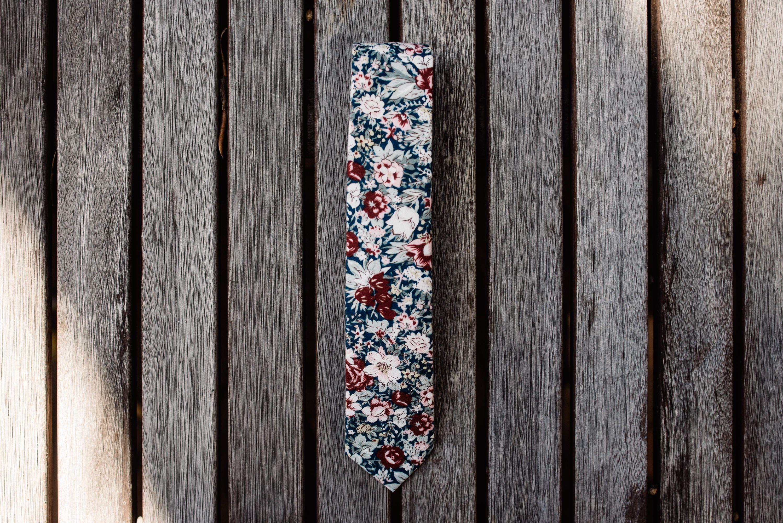 RDX/Roger David Groom and Groomsmen Ties Floral tie