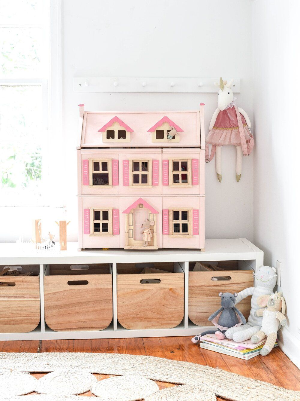 Dollhouse Makeover Iron Twine Pink Dollhouse Victorian Dollhouse Wood Bedroom Furniture Sets