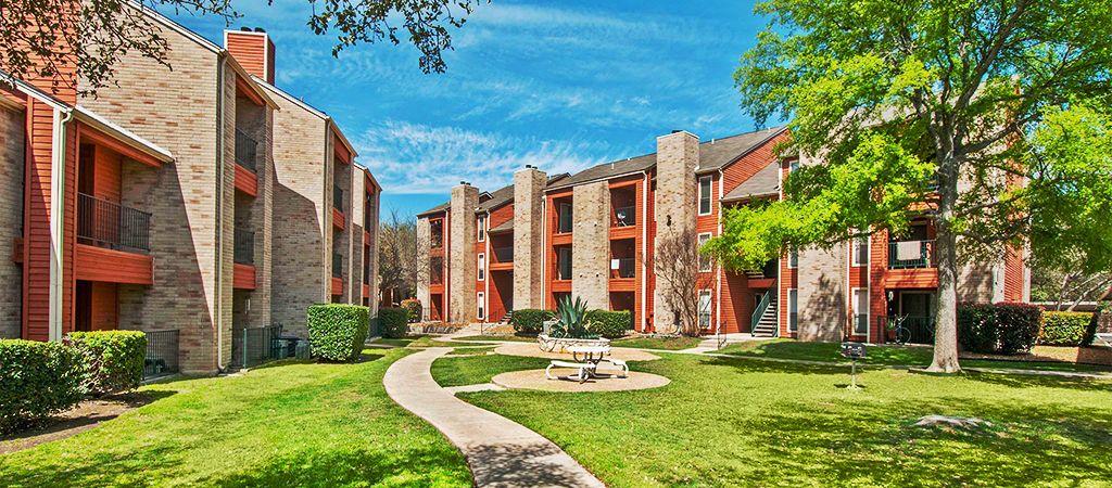 Ashley Oaks Apartments 855