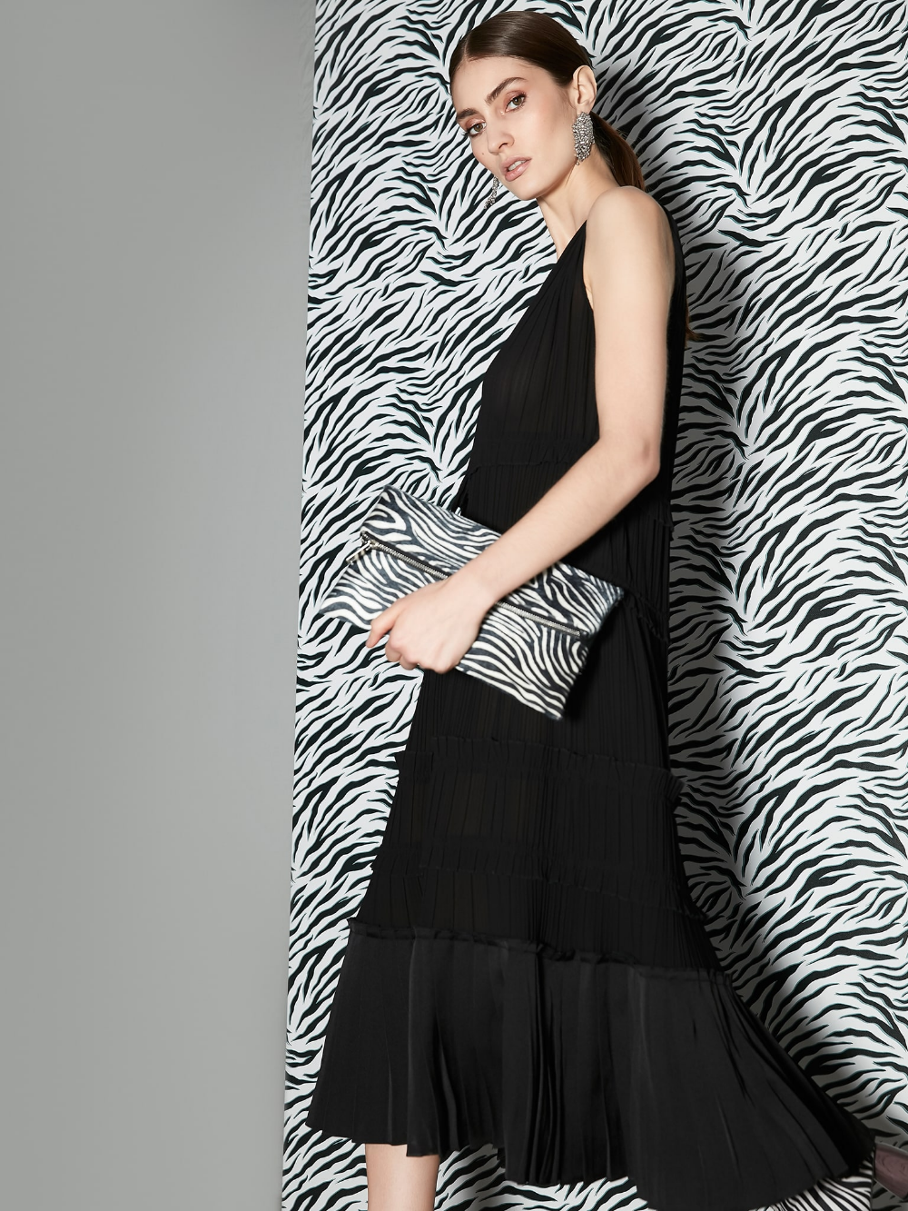 Siyah Firfir Seritli Pilisole Elbise Iw6190002107001 Ipekyol Elbise Moda Stilleri Gomlek Elbise