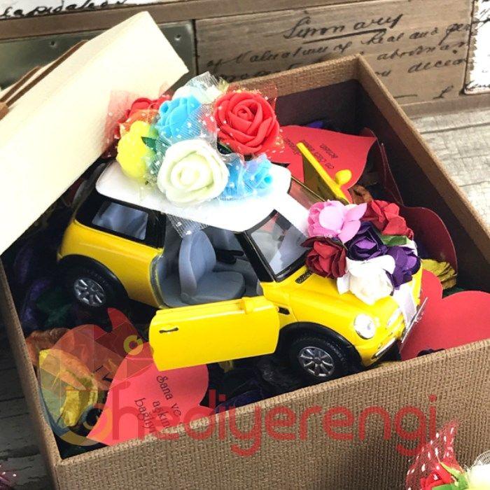 Sevgiliye Ozel Gelin Arabasi Mini Cooper Ve 365 Gun Kartlari Ozel Orta Boy Tasarim Kutulu Hediye Rengi Sevgililer Gelin Kartlar