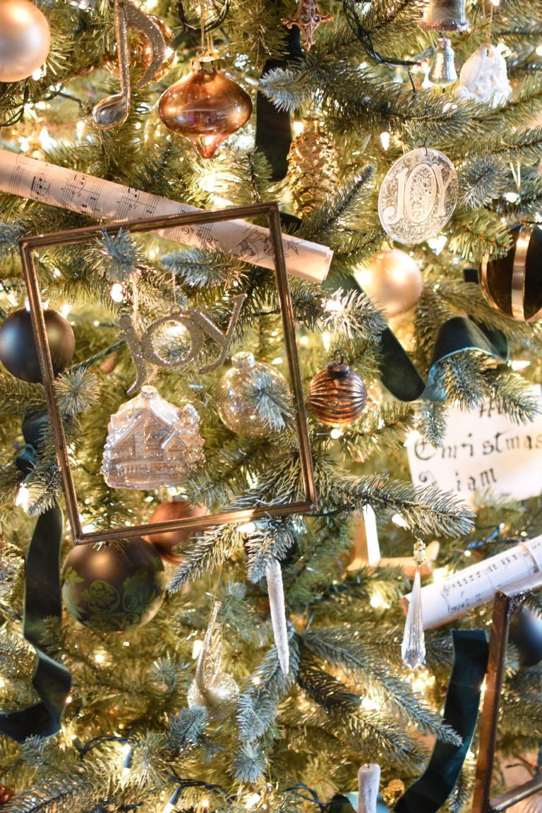 Follow The Yellow Brick Home - Simple and Elegant Old World & French Country Christmas Decor