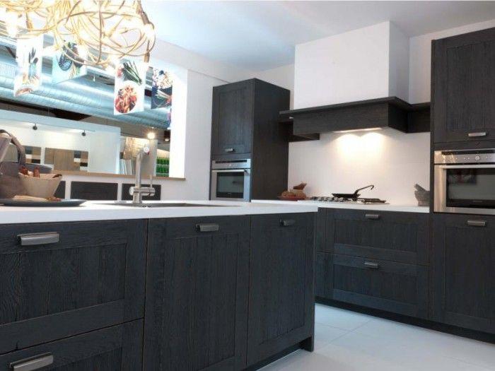 Keuken antraciet aparte kleur voor keuken keuken pinterest foto 39 s - Zwarte houten keuken ...