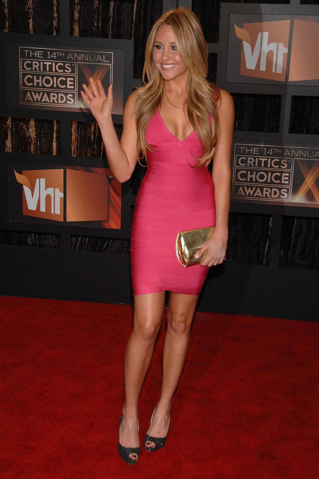 Amanda Bynes 2006 amanda bynes wears pink bandage dress   amanda bynes, little