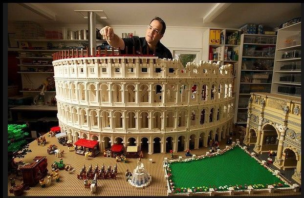 200,000-piece Lego Roman Colosseum, made to minifig scale. Built by Ryan McNaught who is a certified Lego engineer.