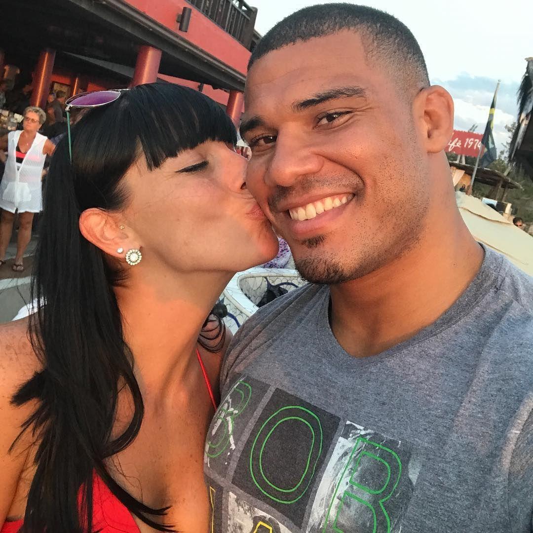 WWE Superstar Jason Jordan (Nathan Everhart) and his wife April Tierney Everhart #WWE #wwecouples #wwewives #… | Wwe couples, Wwe superstars, Professional wrestling