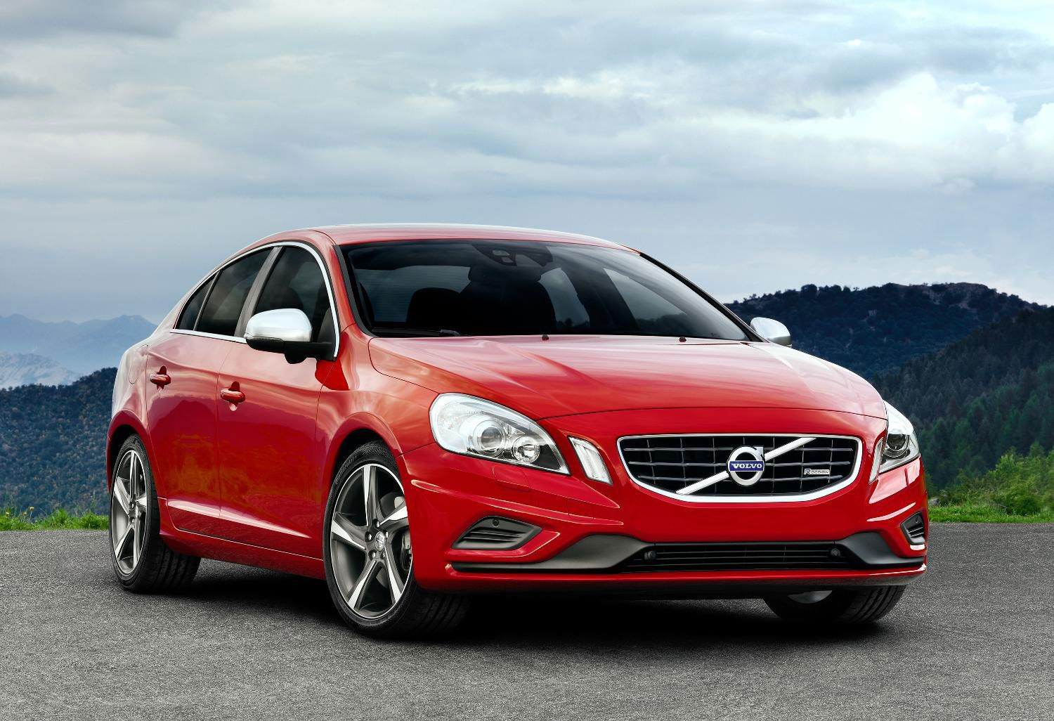 Volvo S 60 Car And Truck Buying Reviews News And More Jalopnik Volvo S60 Volvo Volvo Cars