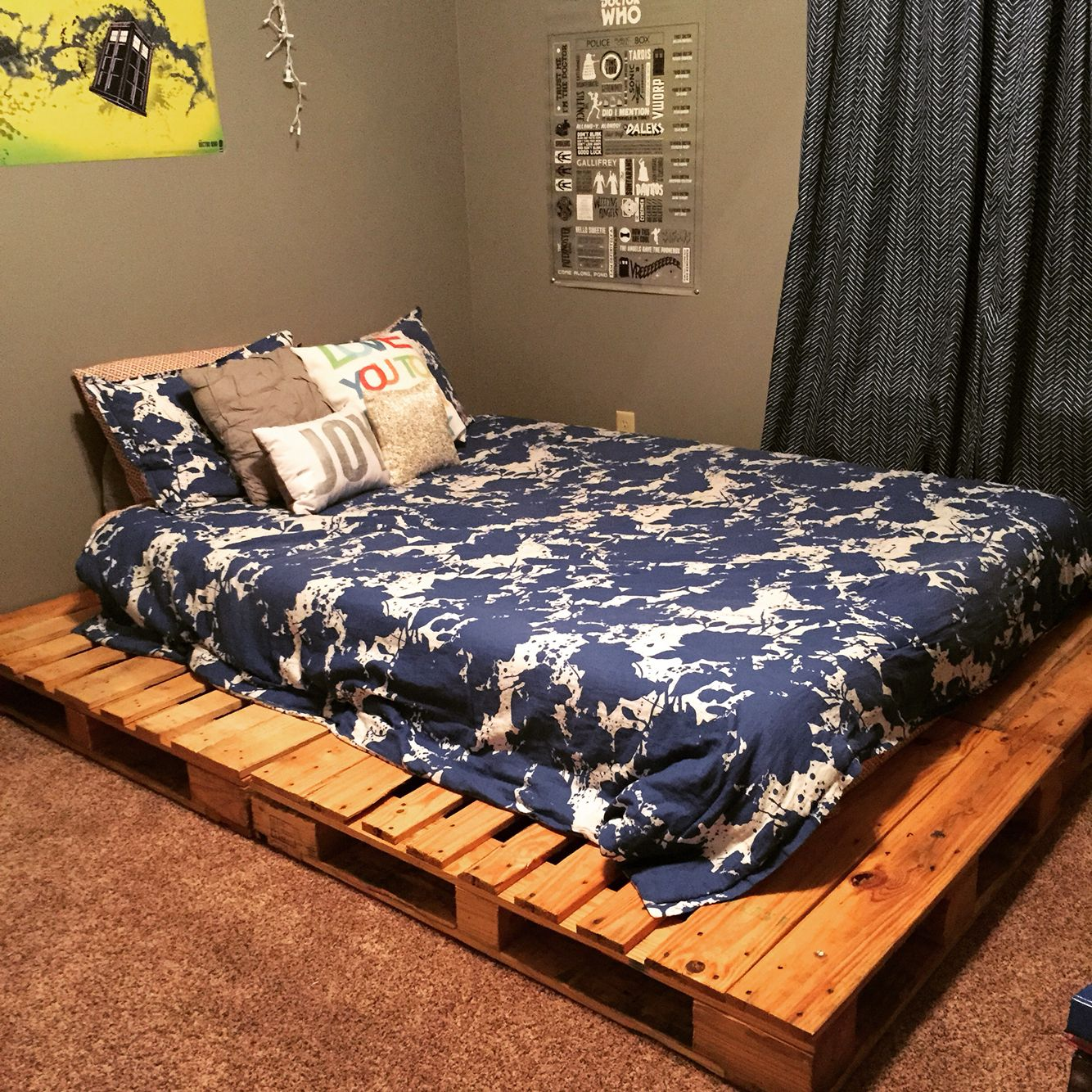 Queen size pallet platform bed | Pinterest success at the Hill House ...