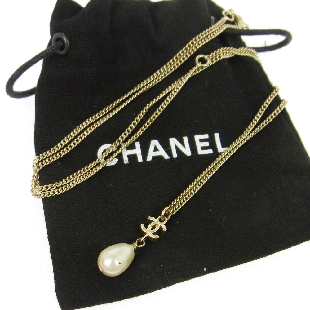 Authentic CHANEL CC Logos Imitation Pearl Necklace Accessories B12C B30547 #Chanel #Pendant