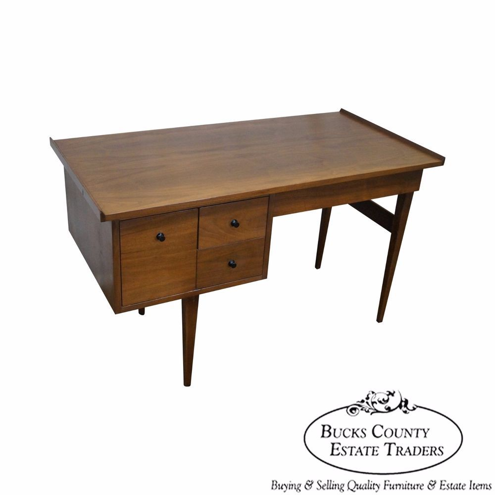 American Of Martinsville Mid Century Modern Walnut Writing Desk Midcenturymodern With Images Walnut Writing Desk Desk Midcentury Modern