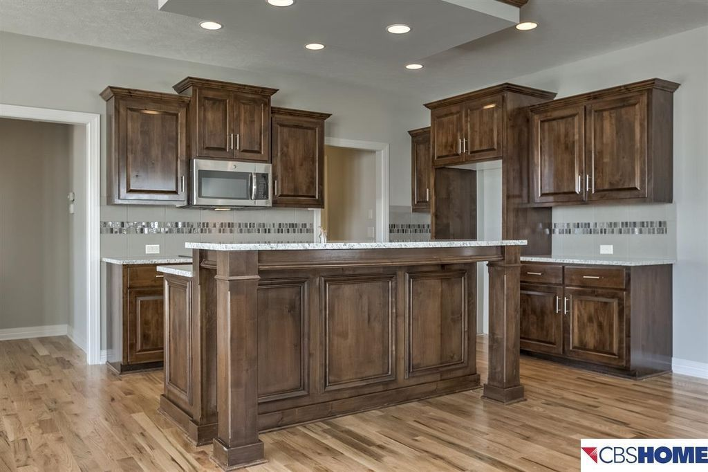 """traditional kitchen with character 5"""" engineered hickory"""