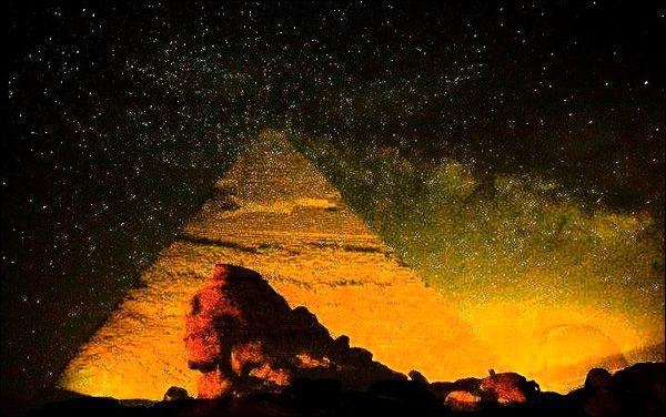 Piramida din Bucegi care apare in 28.11, la ora 16.44 in fiecare an si pentru care vin oameni din intreaga lume
