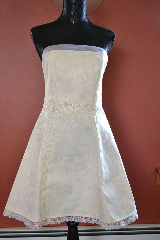 White lace apron wedding -  Ver 1 000 Bilder Om Wedding Aprons P Pinterestbr Llop Brudar Och Modeskapande
