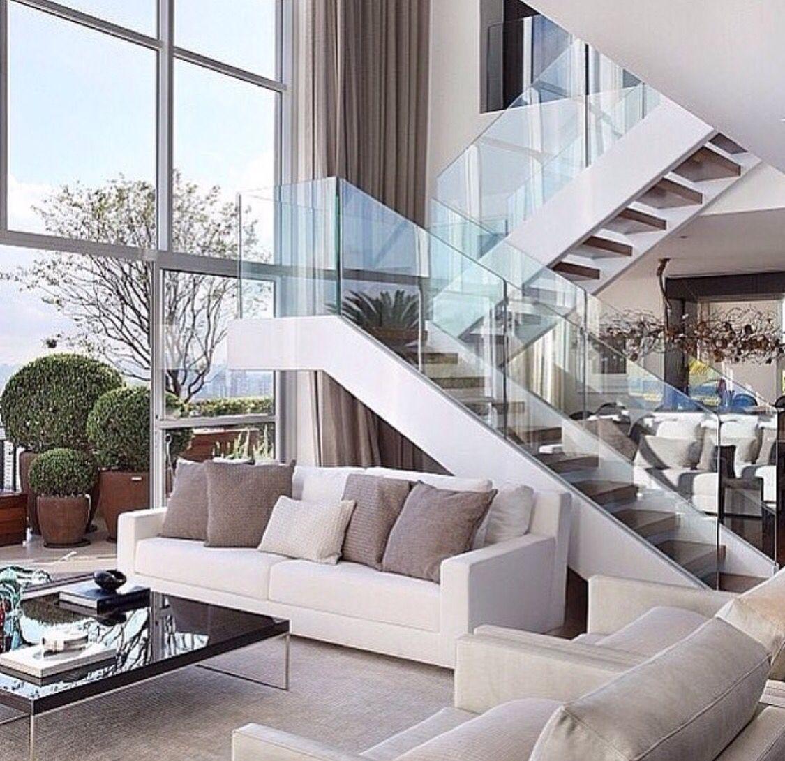 Escada e janela!