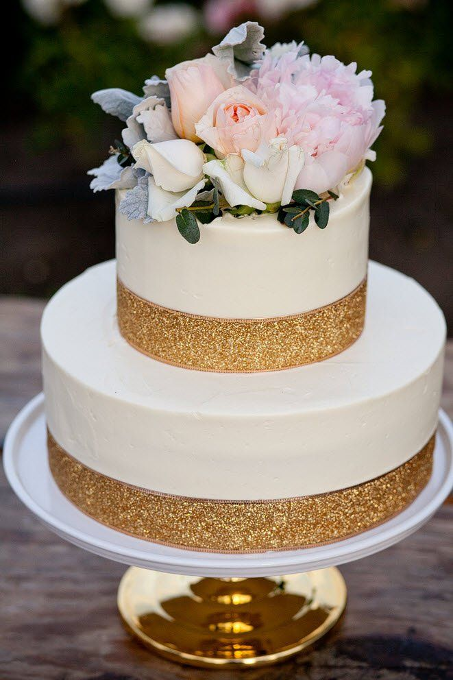 10 tier wedding cake ideas our beautiful 2 tier velvet wedding cake 6 10015