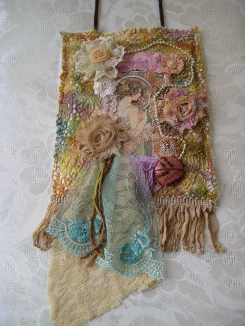 Tattered lace collage wall hanging par KillarneyFields sur Etsy, $45.00