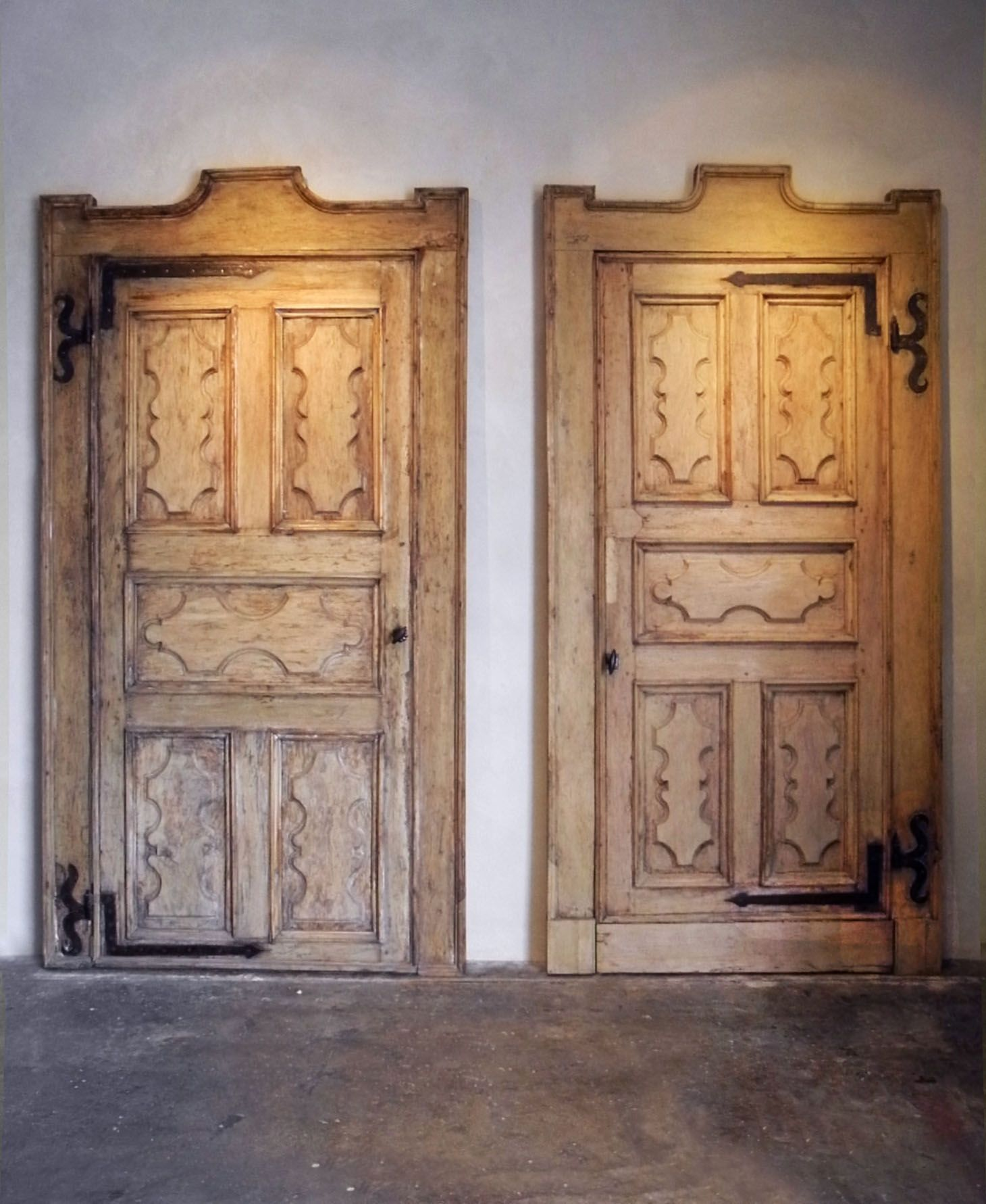 17th century Walnut doors from a palazzo in Florence Italy via Chateau Domingue & 17th century Walnut doors from a palazzo in Florence Italy via ... Pezcame.Com