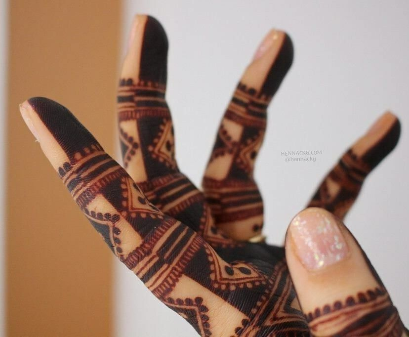As I Have Dark Skin I Ll Reverse This Pattern Henna Henna Patterns Hand Henna