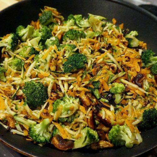 Rezept: Gebratener Reis mit Gemüse und Cashews - rassambla