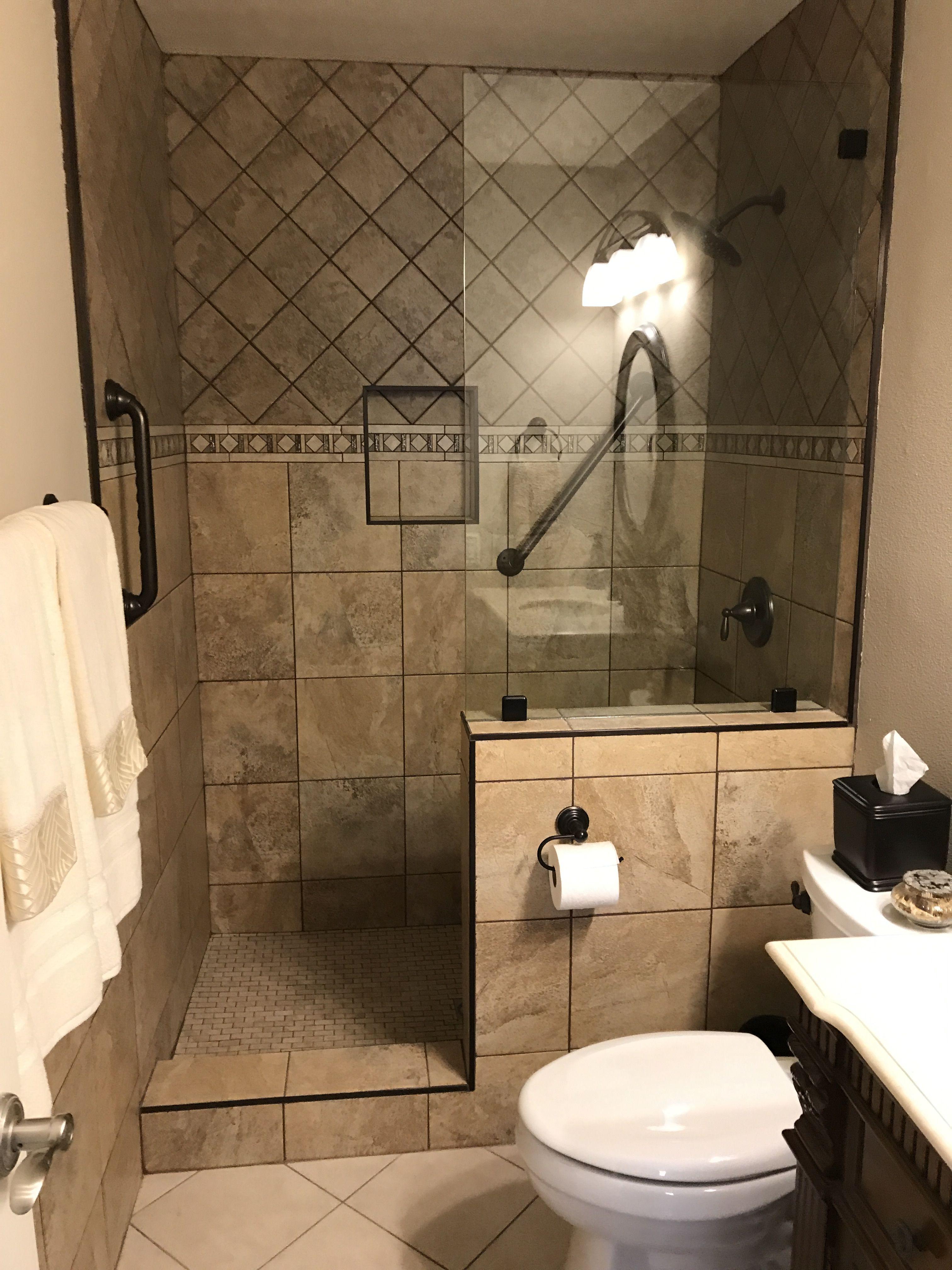 Pin De Robert Knitl Em Guest Bathrooms Ideias Para Casas De Banho Banheiros Modernos Banheiros Minusculos