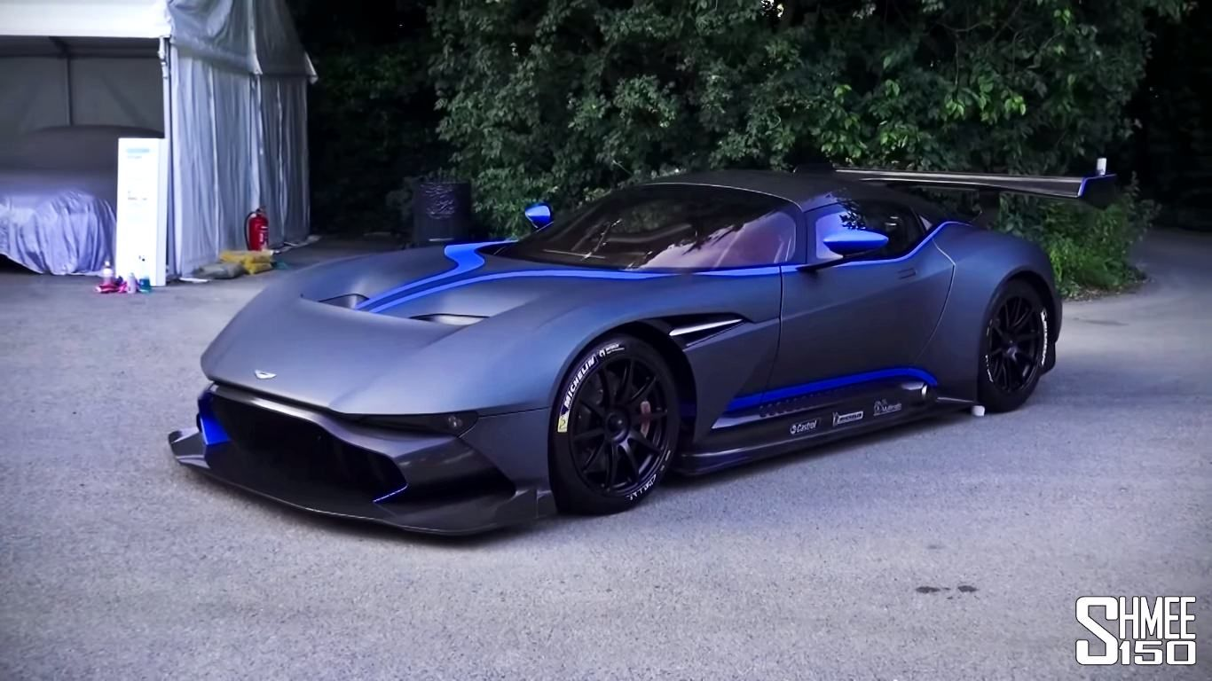 Check It Out The Amazing Supercars At Goodwood Fos 2015 Sssupersports Aston Martin Vulcan Super Luxury Cars Super Cars