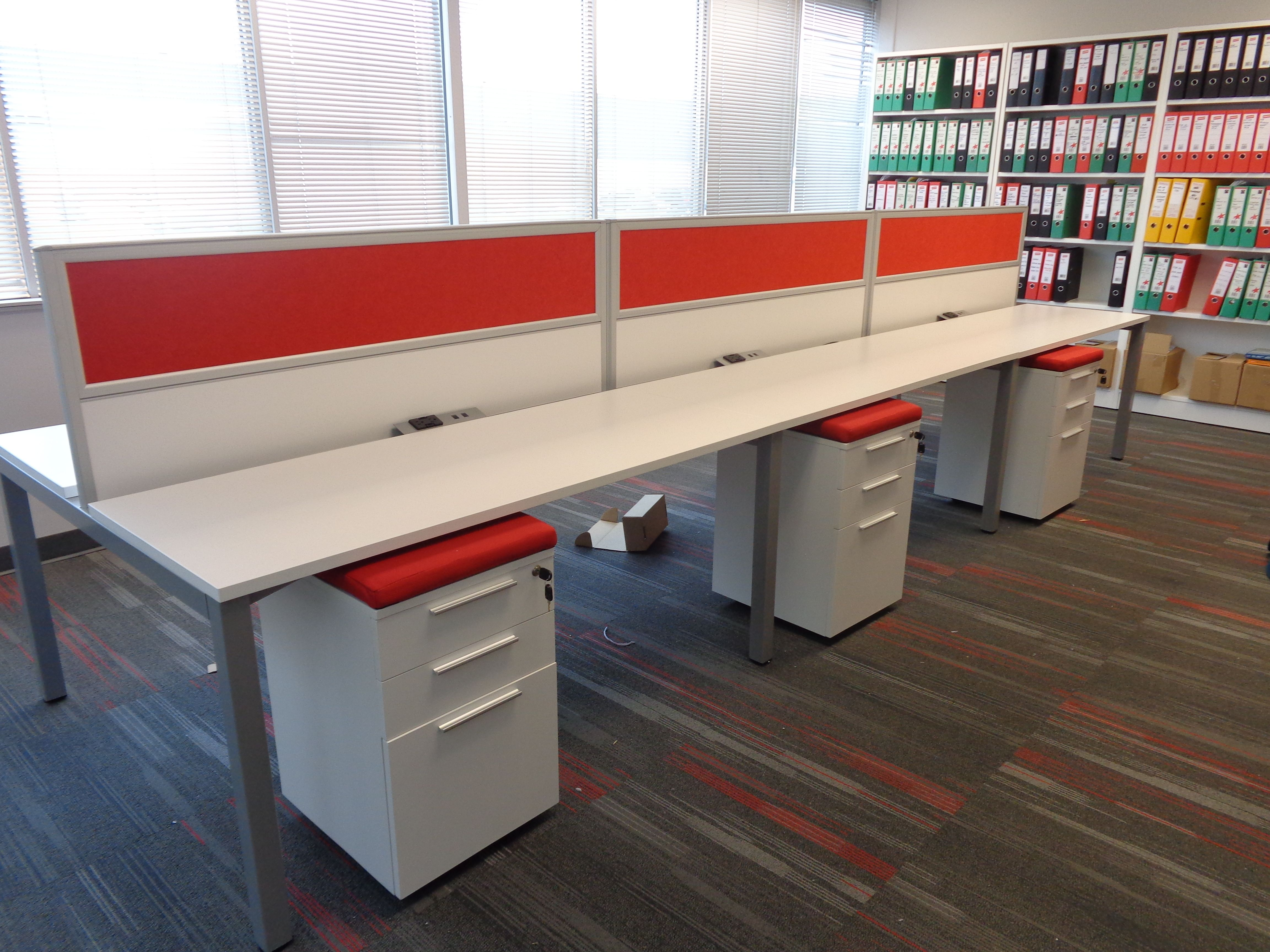 Pin De Fodc_elite En Office Layout Pinterest # Muebles Modulares Para Oficina