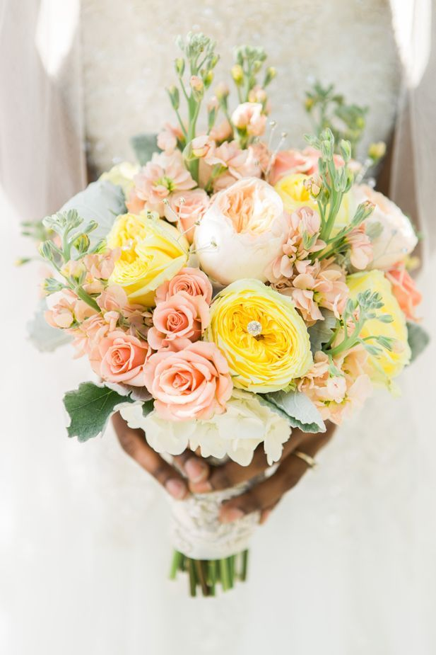 Beautiful blush pink and yellow bouquet (ArtPhotoSoul Photographers)