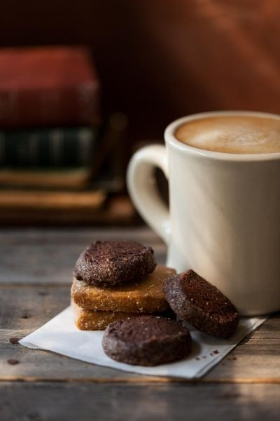 #coffee and cookie without the guilt! Bskinny coffee.  WWW.bfitbhealthy.bfreesystem.com
