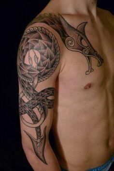 tattoo viking tattoos dragon tattoos celtic dragon tattoo. Black Bedroom Furniture Sets. Home Design Ideas