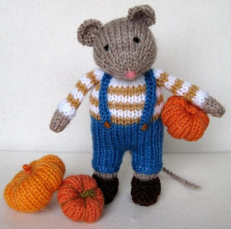 Pip the Mouse and pumpkins - Halloween | Knit patterns, Mice and Pdf