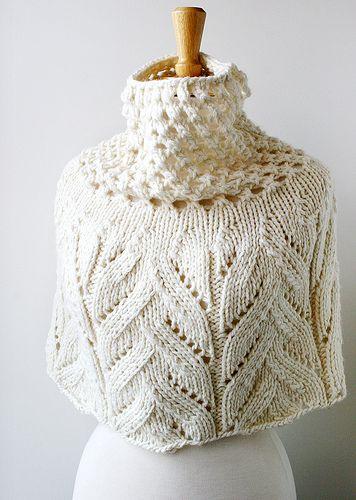Botanical Lace Capelet Hand Knit Merino Wool Aksesuri
