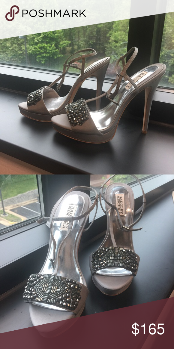 Badgley Mischka gorgeous shoes! Great for go out! Badgley Mischka Shoes Heels