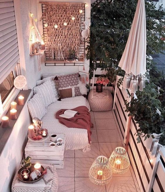 8 Cozy balconies you will adore this season