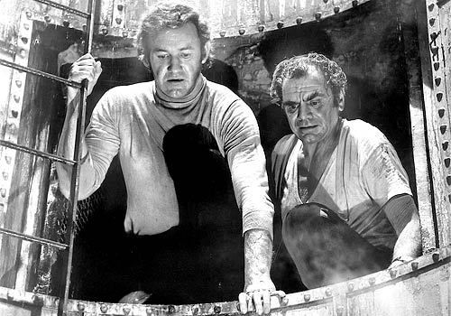 Gene Hackman and Ernest Borgnine in The Poseidon Adventure | The poseidon  adventure, Charlies angels movie, Ernest borgnine