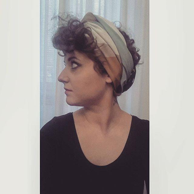 Top 100 curly pixie cut photos 💇 Ogni volta che per strada incontro qualche ragazza con i capelli lunghi mi viene voglia di aspettare pazientemente la ricrescita del mio #pixiecut . La verità è che sono 6 anni che i miei capelli sono corti. E oggi ritorno dalla parrucchiera. Di nuovo. #turbante #headband #turban #scarf #fashion4fashion #instafashion #fashion #vintagegirl #vintagelover...