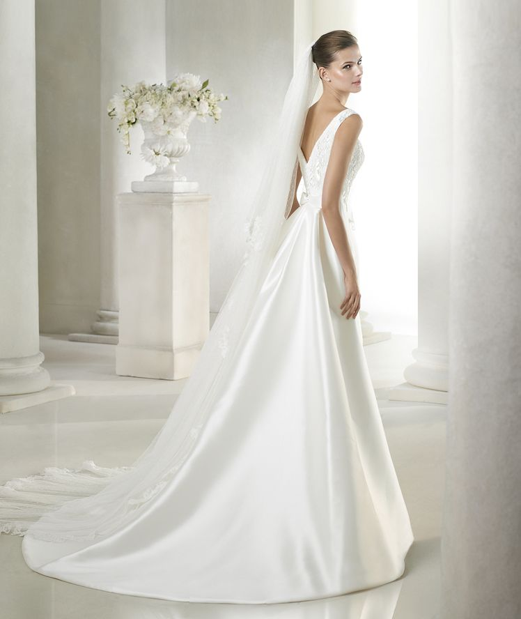 79aa9c6174d Style   SAELA   » Wedding Dresses » Costura 2015 Collection » by San Patrick  ~ Shown with detachable Train (back)