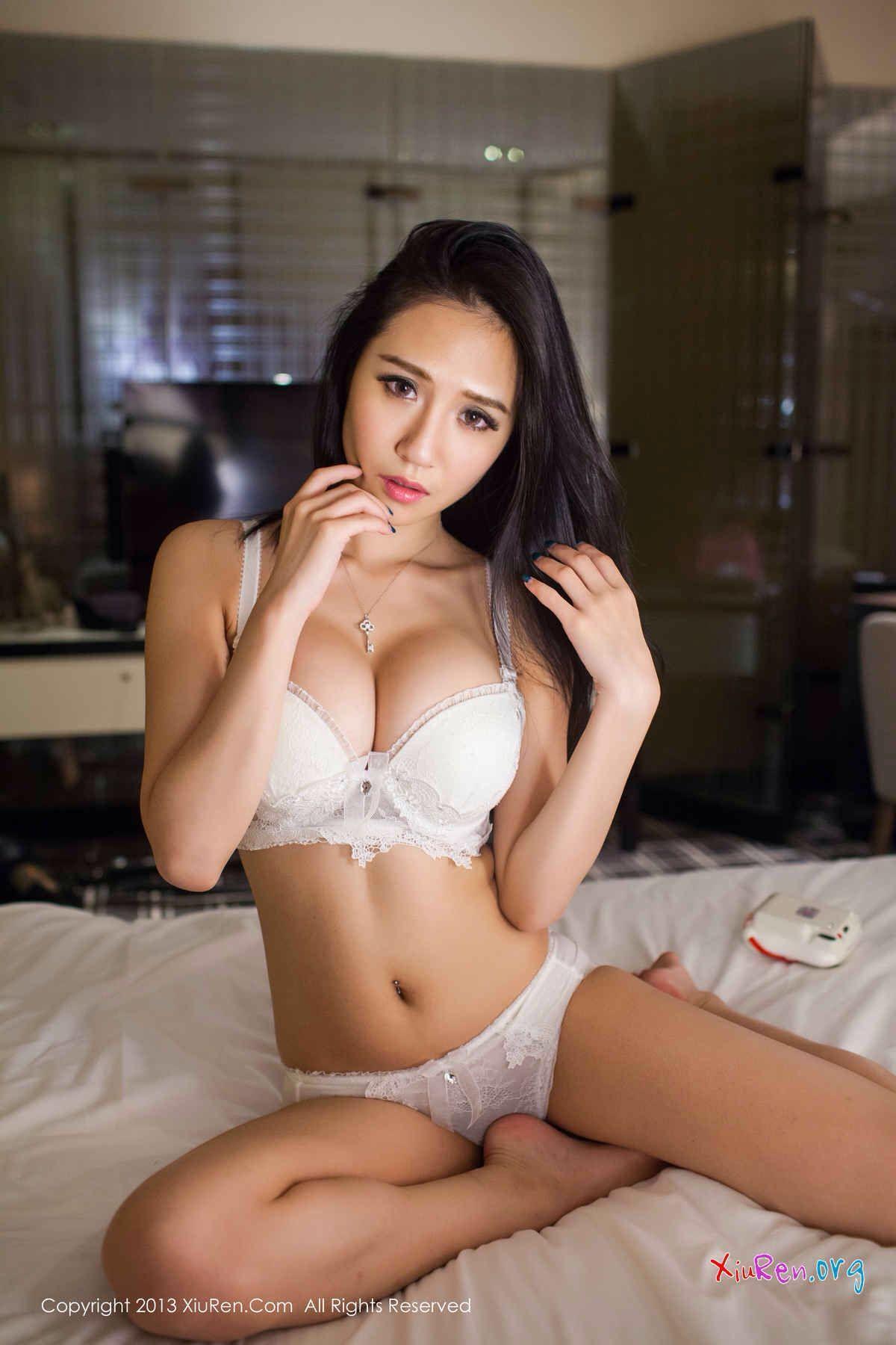 Yu Da Xiao Jie asiangirls booty hotasiangirls sideboobs