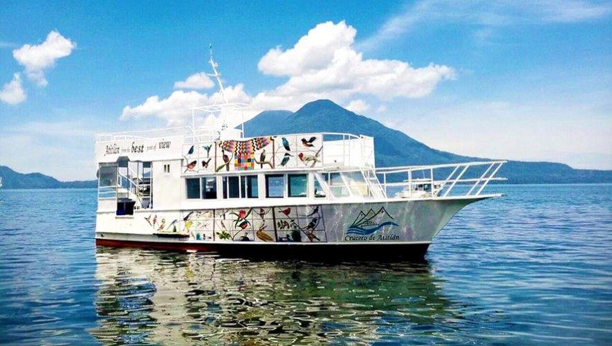 Pasea por el Lago Atitlán de una manera diferente. (Foto: Crucero de Atitlán)