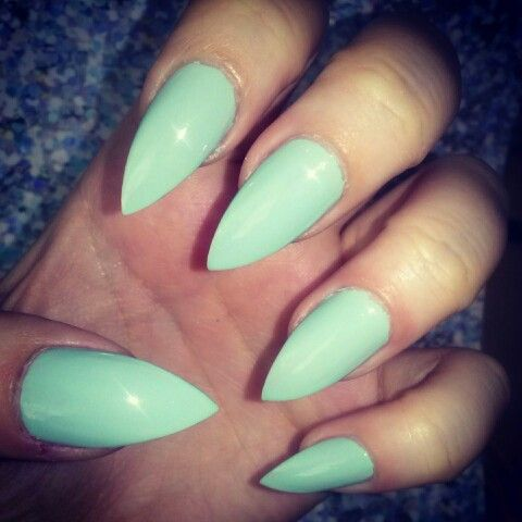 Stiletto mint color #stilettonails #mint #color #longnails #stiletto #green #summer #spring