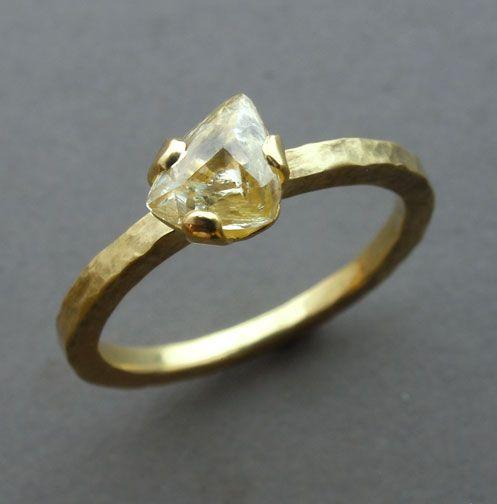 #R055, 18k yellow gold, uncut diamond