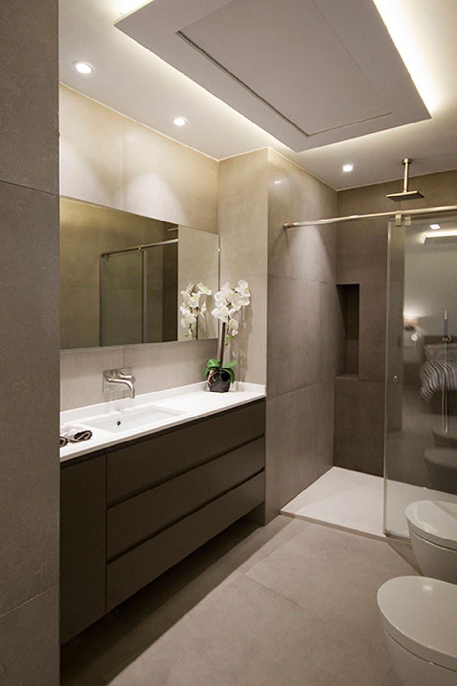 A bathroom in the tropics en 2020   Diseño de baños ...